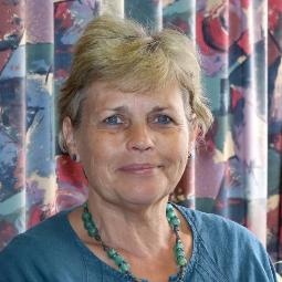 Dr Nicola Toynton