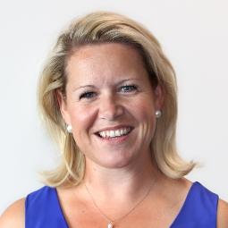 Dr Justine McIntyre